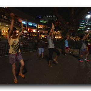 フィリピンで流行中のズンバパーティーに参加してみた。