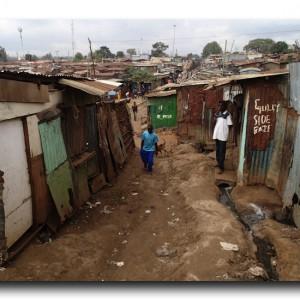 """ナイロビにある巨大スラム """"キベラ""""。"""