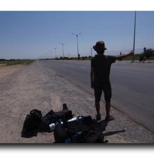 トルクメニスタンで不法滞在の危機!!玉砕覚悟の強行ヒッチハイク!